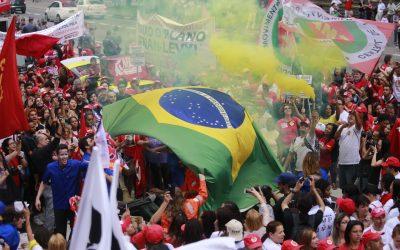 """""""Nada nem ninguém poderá abalar nosso compromisso com um país melhor e mais justo"""", diz Lula em carta para a CUT"""