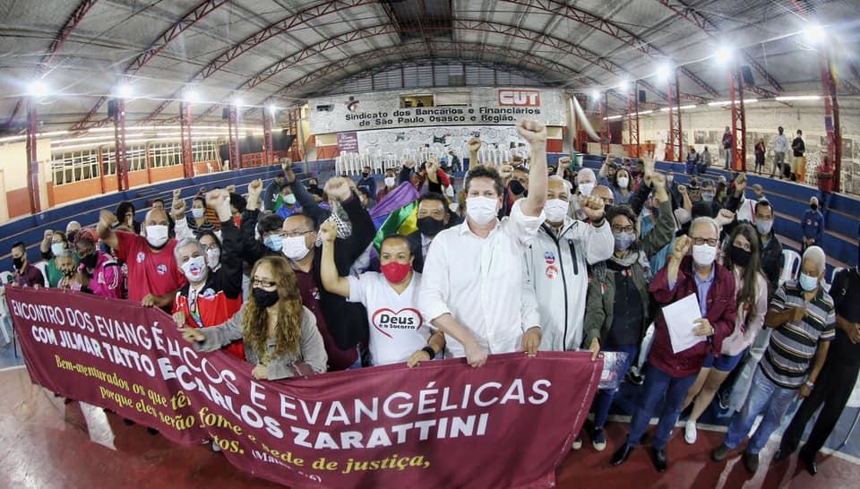 """Jilmar Tatto recebe apoio de evangélicos em SP: """"Temos que votar em quem tem história no combate à fome"""""""